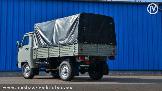 UAZ 3303 Valník